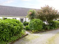 CAMELLIA COTTAGE, pet friendly in East Taphouse, Ref 2527