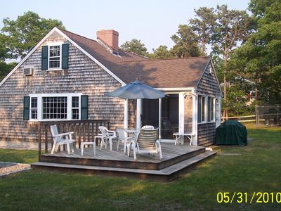 Chatham house rental - Deck, yard and grill