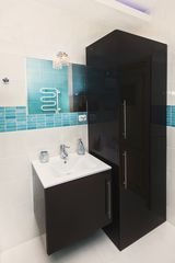 Sopot apartment photo - Fully equipped bathroom, washing machine hidden in the cabinet, view 4