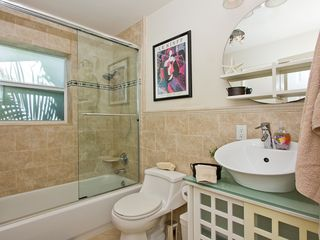Fort Lauderdale house photo - Shared bath for 2nd and 3rd bedrooms.