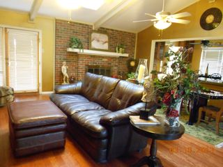 Arlington house photo - Leather Furnishings in Living Area for Fun Family Time
