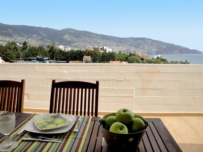Wonderful penthouse with lovely views to the bay and the mountains
