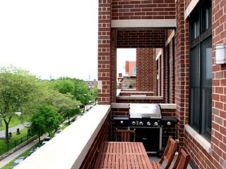Deck with BBQ Grill - Chicago condo vacation rental photo