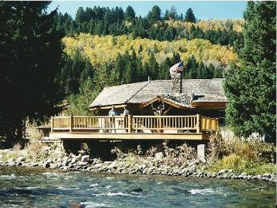 Unique Guesthouse on the Beautiful Gallatin River