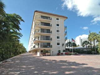 Siesta Key condo photo - front of building