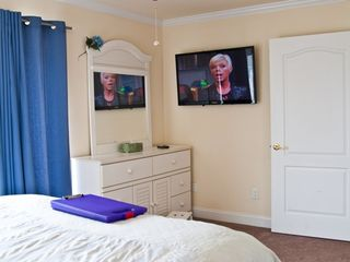 Atlantic City townhome photo - Large LED HDTVs in Master Bed Room!