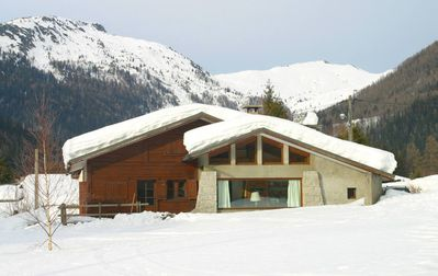 Argentiere: Located at the foot of the Grands Montets, overlooking Mont Blanc