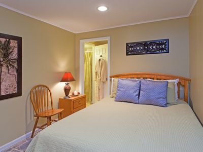 Dupont Circle apartment rental - This room is furnished with a Queen bed. The unit includes 2 bathrooms