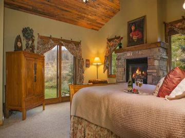 Master king suite with gas fireplace