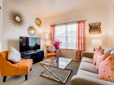 Superb Townhouse Newly Renovated 1.5 miles to Disney