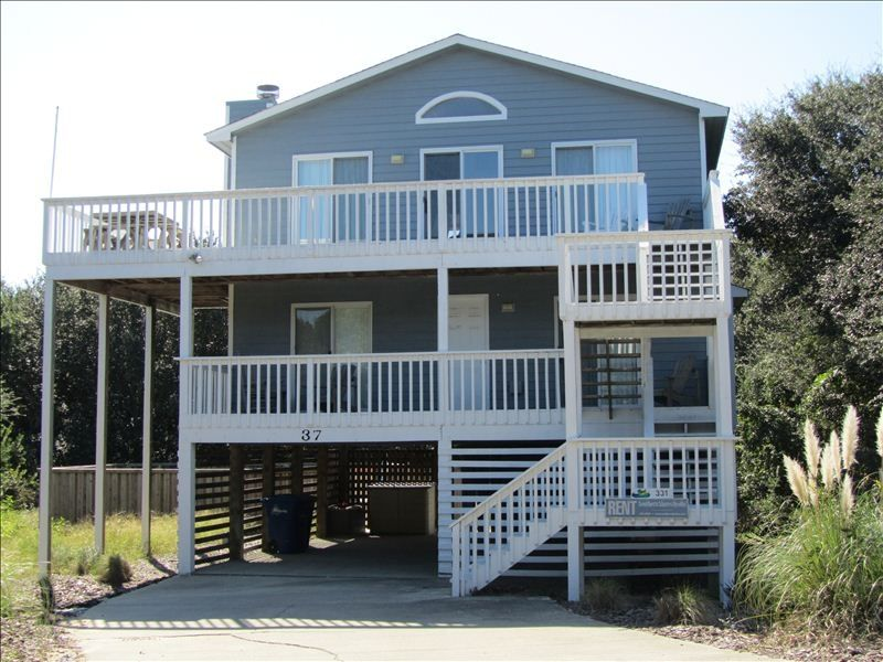 Moocher 39 s paradise outer banks coastal vrbo for Two story beach house