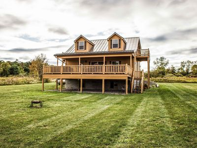 Chateau: Upscale Cabin With A Beautiful Lake View!