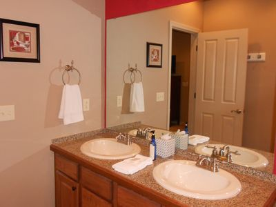 Hollister condo rental - Master Bathroom - Double sinks, plenty of storage, robe hooks, hair dryer