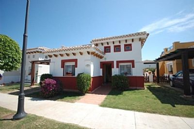 Luxury Detached Villa, Heated Pool, Fully Air Conditioned & Sth Facing Garden