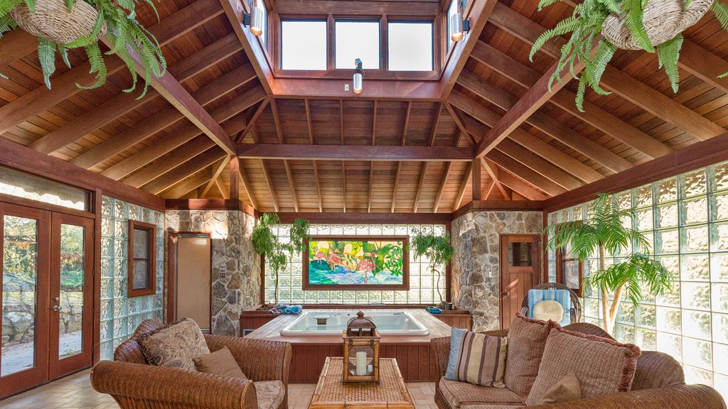 Private Retreat With Exotic Spa In The Vrbo