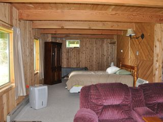 Full finished basement with queen bed - Pittsburg house vacation rental photo