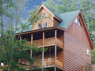 Sevierville cabin rental - 3 LEVELS OF LUXURY w/ 2 DECKS ROCKERS SWING & 2 BBQ GRILLS!