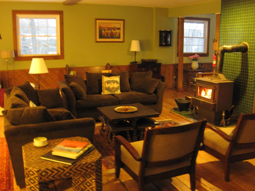 Family friendly vermont getaway homeaway manchester for The family room vermont