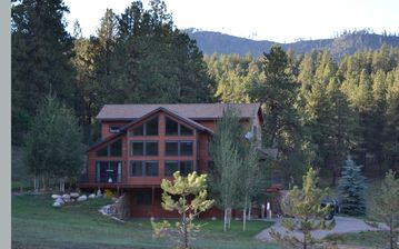 Durango house rental - Drive up view of home and surrounding acreage