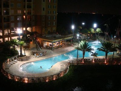 Two Heated pools year around, free wifi, shuttle service, SHOPPING,