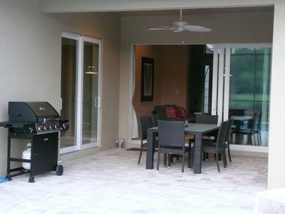 Enjoy entertaining during the night in the lanai