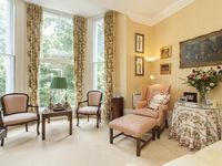 Traditional sunny home in Earls Court