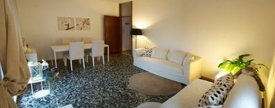2 spacious sunny private appartements 2/4 pers. in the center of Garda