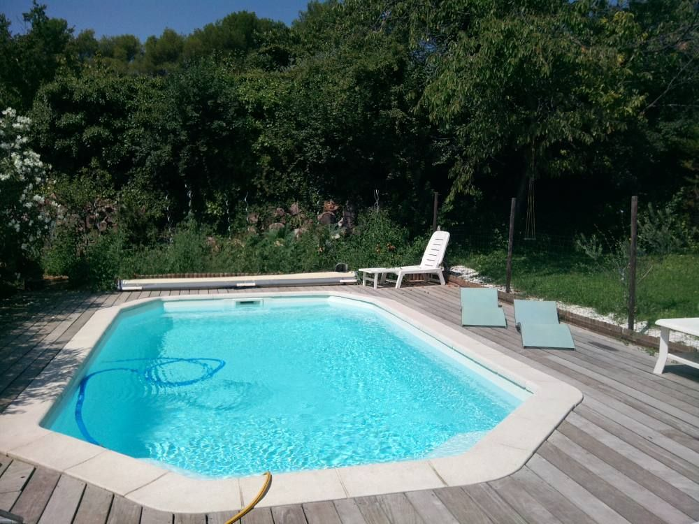 Saint cannat location de vacances maison avec salon de - Oasis piscine saint cannat ...