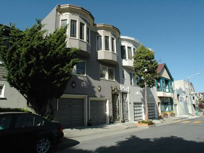 Lots of different architectural styles in Glen Park