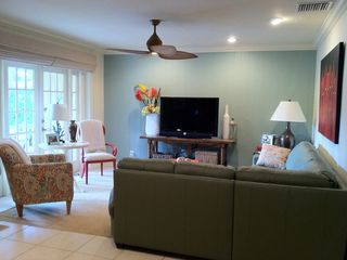Fort Lauderdale house photo - Living Room: pull out queen bed, HDTV with Internet Apps.
