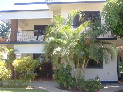 Casa Dos Palmas Trendy 3 bed 3  bath 2 kitchen,rooftop deck or rent by the floor