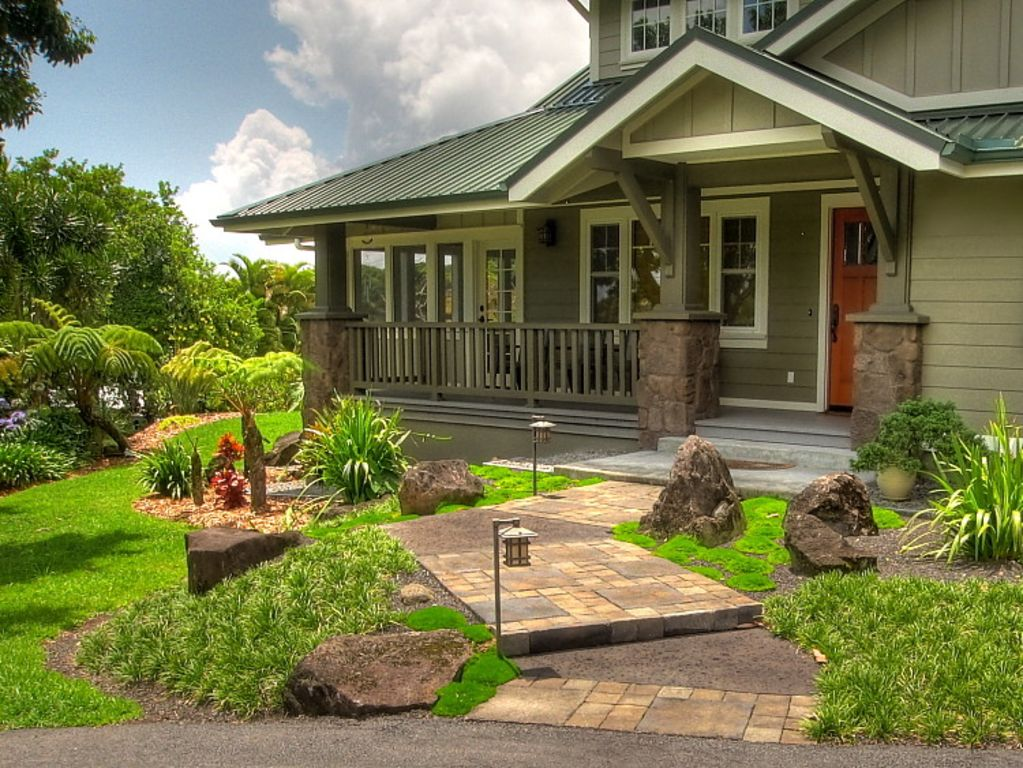 Luxury craftsman garden bungalow vrbo for Garden pool bungalow