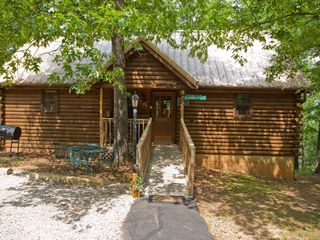 Branson cabin photo - Great Outdoors Cabin. Ramp to the front door.