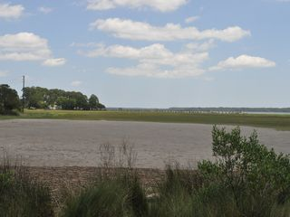 Bluffton house photo - Explore the marshes or sun bath on the beach located directly in front.