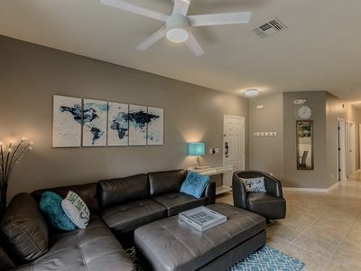 Newly Renovated Ground Floor Condo only 2 Miles from Walt Disney World's Gates