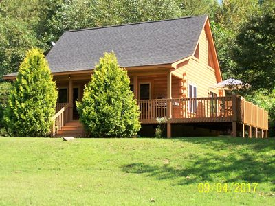 Perfect Country Getaway! - Rustic and Modern Cabin minutes from TIEC and Golfing