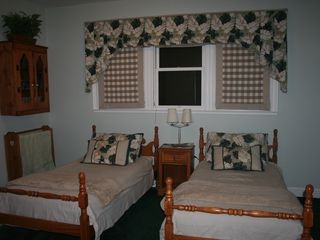 Auburn house photo - #4. Island Room- Downstairs with two Twin Beds.