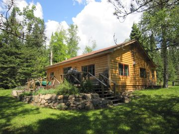 Grand Marais cabin rental - Large decks, outdoor Weber propane grill and water front views