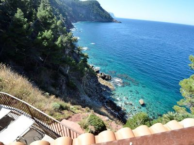 Chalet in first line on a cliff. Spectacular views. Total privacy