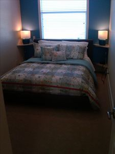 Anna Maria townhome rental - 2nd Bedroom with Queen Bed, En Suite Bath and Television
