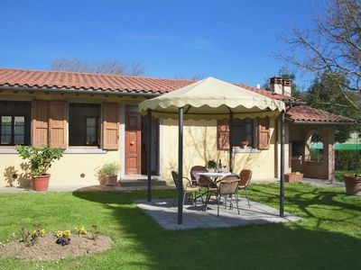 Farmhouse with garden, private terrace, panoramic swimming pool, organic wine