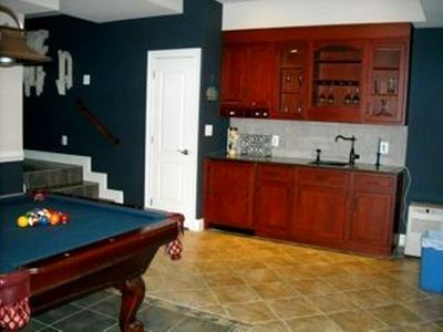 Lower level pool table and wet-bar
