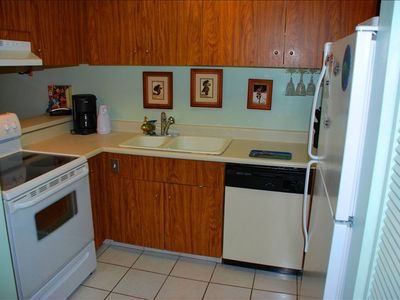 Kitchen, fully equipped on Master Suite side