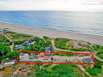 Pescadero Palace sets on over 1/2 acre on a 3-mile white sand beach!