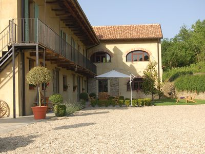 Family friendly Farmhouse with pool, great for hikers, gourmet food and wine