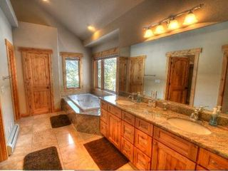 Estes Park house photo - Master Bathroom