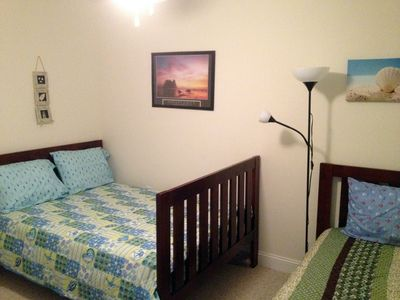 Wildwood Crest condo rental - 3rd bedroom with a double bed, a twin bed and a 32' LCD TV