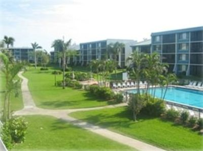 Sanibel Island condo rental - Your view from the lanai of Loggerhead Cay courtyard
