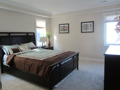 master bedroom queen bed