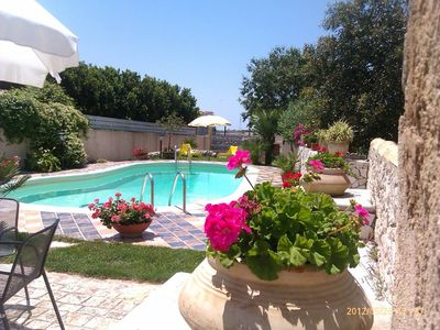 Sicily - Typical  holiday villa with swimming pool at the sea for rent